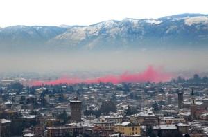 Vicenza 08 12 12 VI 100 fumogeni rossi No Dal Molin   © Vito Tullio Galofaro