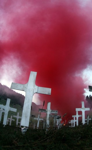 BURNING_CEMETERY_ALESSANDRO_PIANALTO_027