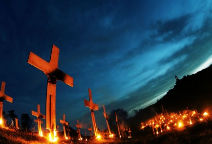 BURNING_CEMETERY_ALESSANDRO_PIANALTO_043