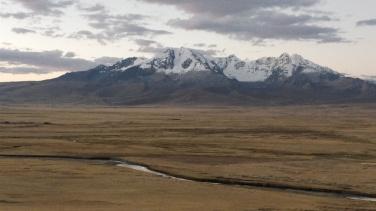 Le prime montagne della Cordillera Blanca arrivando da Lima