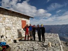 Foto di gruppo al Rifugio Huascaran