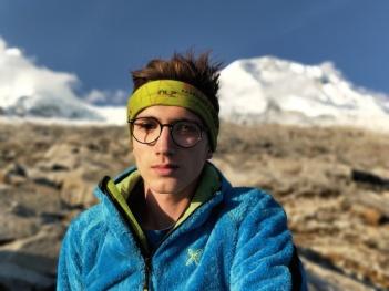 Giacomo, autoritratto con Huascaran alle spalle