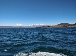 Dal lago Titicaca spunta l'Illampu