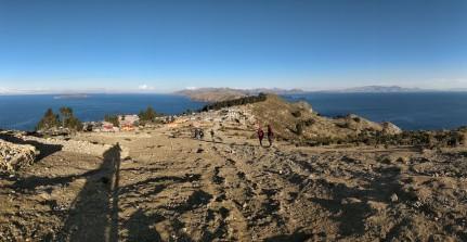 Salendo verso la cima dell'Isla del Sol