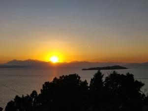 Alba presso la cima dell'Isla del Sol