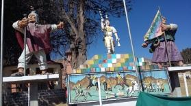 Il complesso pittorico-scultoreo dedicato al Tupak Katari nella piazza di Peñas