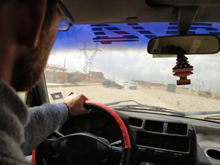 Tra le strade polverose degli altipiani boliviani, tra un bloqueo e l'altro