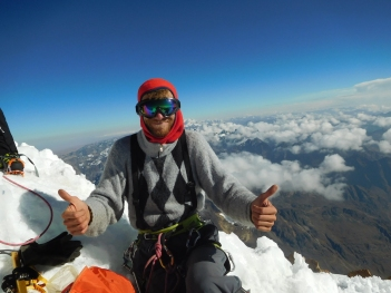 Davide Vitale, in vetta allo Huayna Potosí 6088 m