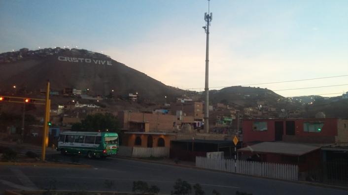 Ultime luci su Lima, prima di partire